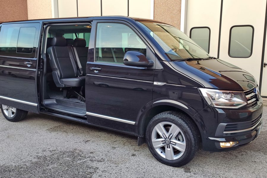 VW Caravelle extra long 8 pax